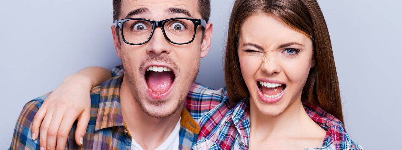 glasses-american-couple-winking-1280x480